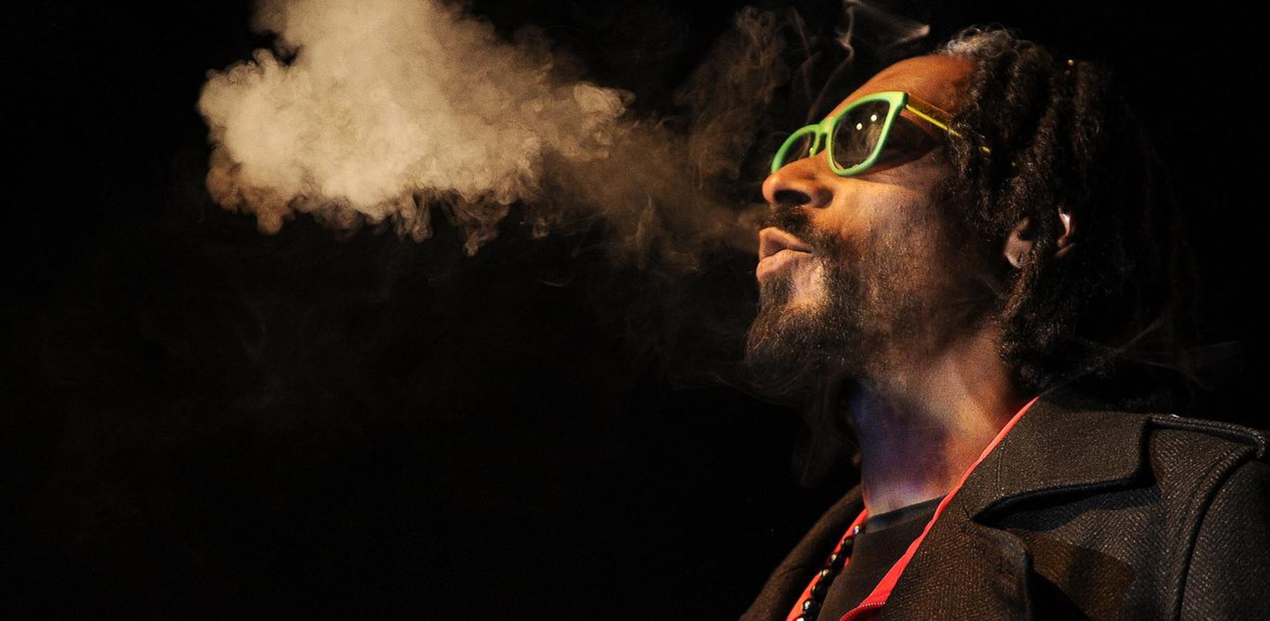 Snoop dogg smoking weed cannabis products leafs by snoop best coffeeshop amsterdam best friends